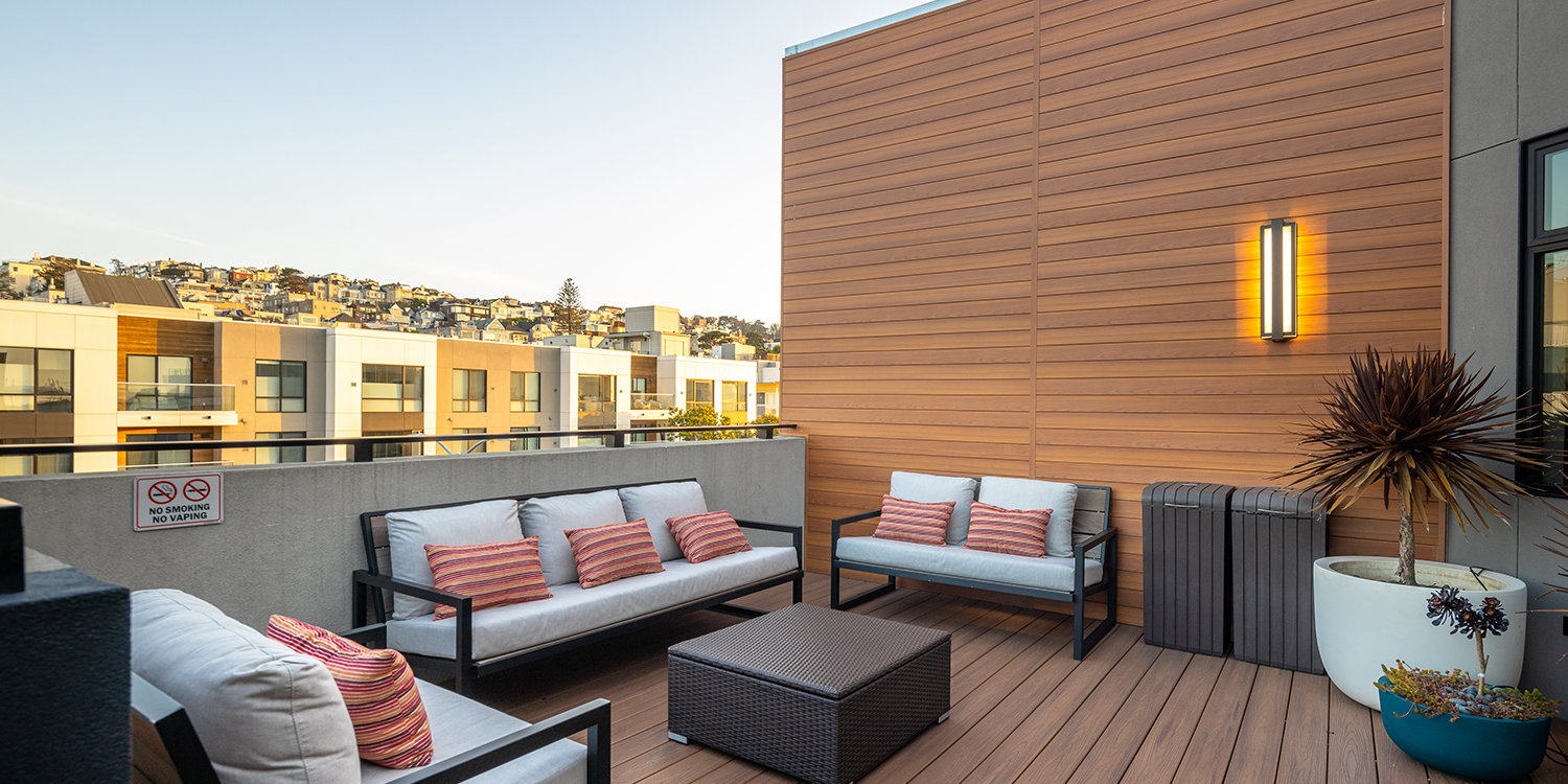 TAKE IN THE VIEWS OF SAN FRANCISCO FROM OUR ROOFTOP